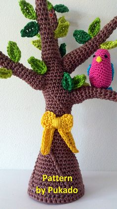 Tie a Yellow Ribbon round the ole Oak tree pattern by Patricia Stuart pattern available to purchase