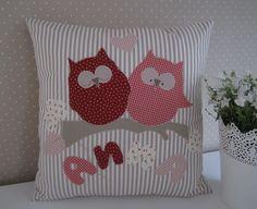 Pillow - Almohada / buho / corazón / Wunschname - una pieza de diseño de Feinerlei en DaWanda