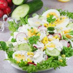 Fried Rice, Cobb Salad, Salad Recipes, Salads, Lunch Box, Food And Drink, Chicken, Cooking, Gastronomia