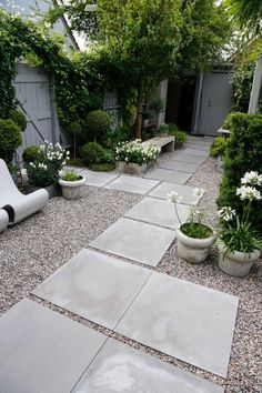 40 Best Backyard Garden Landscaping Design Ideas for Small Garden To be able to have an excellent Modern Garden Decoration, … Backyard Garden Design, Small Garden Design, Garden Landscape Design, Landscape Edging, Landscape Art, Landscape Paintings, Landscape Photography, Backyard Ideas, Modern Backyard