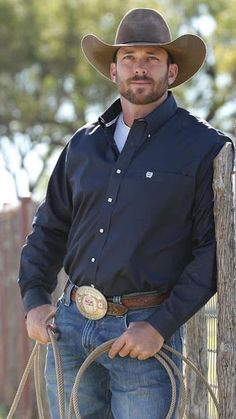 Cowboys, hit me up! Hot Country Boys, Country Life, Country Living, Country Music, Cowboys Men, Cowboy Up, Cowboy Boots, Bear Men, Men In Uniform
