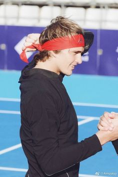 Alexander Zverev, Professional Tennis Players, The Prince Of Tennis, Us Open, Cheerleading, Cricket, Heaven, Soccer, Wallpaper