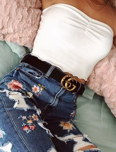 White crop top and floral jeans - style - Outfits Cute Summer Outfits, Teen Fashion Outfits, Cute Casual Outfits, Fall Outfits, Spring School Outfits, Spring Outfits Classy, Ethnic Outfits, Cute Girl Outfits, Party Outfits