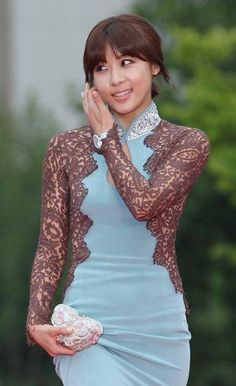 Ha Ji Won - beautiful..and she is very hardworking in all her dramas...no doubles for action parts..