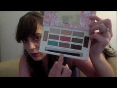 Im giving away this awesome Smashbox eye shadow palette on the blog. Click thru to enter!