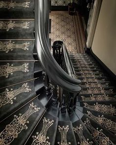 To me it looks more Victorian Aesthetic Era than Art Deco with the use of the black and ornate gold stencil. Maybe Art Nouveau but not Deco. Casa Art Deco, Art Deco Home, Architecture Details, Interior Architecture, Interior And Exterior, Interior Design, Interior Stairs, Victorian Architecture, Amazing Architecture