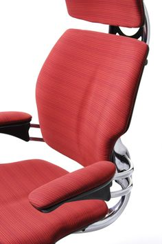 Freedom Headrest available with Gel Seat, a non-degradable, non-compressible Technogel layer on top of foam core. Provides maximum pressure distribution. Offers unmatched, long-term comfort.