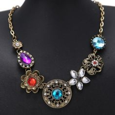 Flower Rhinestone Pendant Necklace