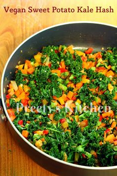 Here's a way to satisfy both the vegans and the hungry, sleepy, looking-for-something-healthy visitors at your table.A savory comforting . Vegan Foods, Vegan Vegetarian, Vegetarian Recipes, Cooking Recipes, Paleo, Sweet Potato Kale, Vegan Options, Savoury Dishes, Vegans