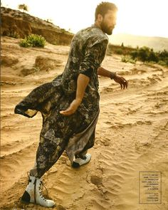 Vicky Kaushal for GQ India Antar Agni, Gq, Beautiful Men, Beautiful Pictures, Male Fashion Trends, Man Crush Everyday, Sneaks Up, Love Me Forever, Bollywood Actors