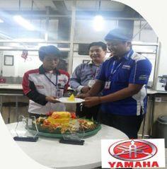 Catering tumpeng (021) 92147352: Catering nasi tumpeng kuning di Jakarta timur