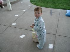Aha!  Here's how to do those Easter Bunny footprints -- baby powder!  Should be easier (if not as colorful) as sidewalk chalk!