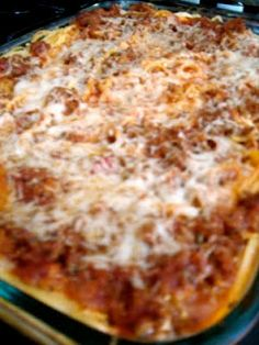 Baked Spaghetti | Six Sisters' Stuff. I just made this with GF spaghetti, no meat, added peppers, and no cottage cheese (cos I didn't have any). And it was FABULOUS. Imagine it'd be more fabulous with the meat and cottage cheese!!!