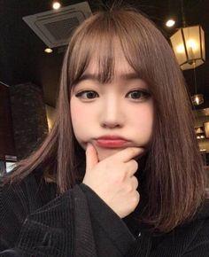 Pin by Korean Hair Style on Korean Hair in 2019 Ulzzang Short Hair, Asian Short Hair, Short Hair With Bangs, Asian Hair, Korean Short Hair Bangs, Kawaii Hairstyles, Hairstyles With Bangs, Pretty Hairstyles, Medium Hair Styles