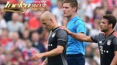 Musim Belum Dimulai, Robben Dipastikan Absen 6 Pekan - Lippstadt - Pukulan telak untuk Arjen Robben yang belum bisa lepas dari hantu cedera. Winger Bayern Munich itu dipastikan melewatkan awal musim depan karena cedera pangkal paha.
