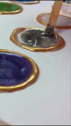 Resin Tips & Ideas From DIY Craft Club! - Crafts/DIY - This is a great way to see your resin tints! DIY resin tint color board you can hang up! Diy Resin Art, Epoxy Resin Art, Diy Resin Crafts, Resin Molds, Diy Craft Projects, Craft Tutorials, Diy And Crafts, Summer Crafts, Fall Crafts