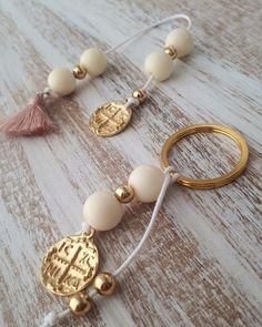 Christening Decorations, Couture, Art Projects, Diy And Crafts, Pearl Earrings, Beaded Bracelets, Charmed, Creative, Artemis