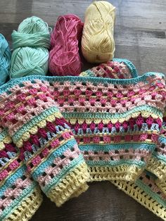 Free and Amazing Crochet Blanket Pattern for Winter Part 38 – Knitting For Beginners Easy Crochet Blanket, Afghan Crochet Patterns, Love Crochet, Knitted Blankets, Knitting Patterns, Crochet Bedspread Pattern, Crochet Afghans, Free Knitting, Crochet Crafts