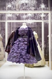 Modeconnect.com Fashion News – April 2, 2014 – Is the influence of the Italian fashion industry diminishing? London V&A exhibition explores its impact through history v/@ nytimes #fashionevents #UK