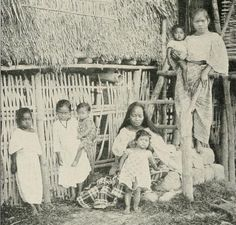 A Tagalo Mother with her Children _1899