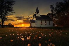 Paul's Anglican Church, Highway 26 in Baie St Paul Parish, Rural Municipality of St. Francois Xavier - Manitoba, Canada, Photo by Erin L. Old Country Churches, Old Churches, Abandoned Churches, Country Roads, Fotos Do Canada, Sunset Photography, Landscape Photography, Amazing Photography, Baie St Paul