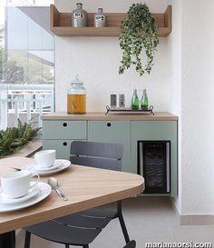 Good morning! Café na varanda, pequena e charmosa  {Projeto por Mandril Arquitetura e Pic via Mariana Orsi}