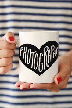 Start every morning with a zip of love. An adorable mug to keep you company while you work on what you love, Photography! - Ceramic - Dishwasher and Microwave safe - Double sided print - 11 oz or 15 o Photography Camera, Photography Business, Love Photography, Photography Office, Photography Accessories, People Photography, Photographer Gifts, Gifts For Photographers, Foto Pose