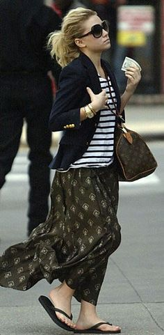 here's ashley olsen wearing the louis vuitton speedy! we have this at our high end consignment boutique for $385 call us for more details! we ship nationwide! 919-699-6505