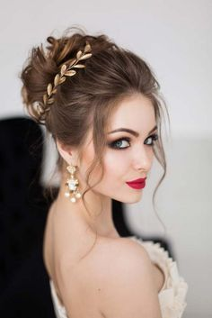 Gorgeous wedding updo + makeup look lange frisuren Top 30 Long Wedding Hairstyles for Bride from Elegant Wedding Hair, Elegant Bride, Wedding Updo, Bridal Makeup, Wedding Makeup, Bridal Hair, Bridal Tips, Wedding Hairstyles For Long Hair, Hairstyles For Brides
