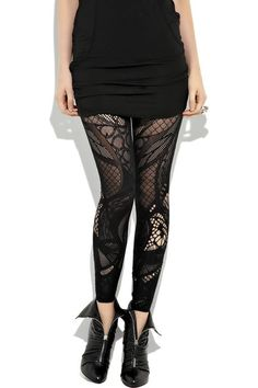 Why ate these soo FIERCE?!?!  http://www.imtheitgirl.com/2010/08/item-of-week-alexander-mcqueen-celtic.html?m=1