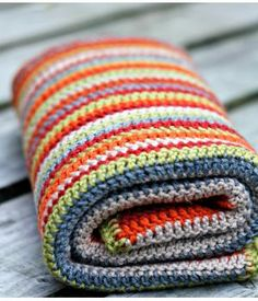 Woolen baby blanket Not free - pattern in Dutch Plaid Crochet, Crochet Home, Love Crochet, Crochet Granny, Learn To Crochet, Baby Blanket Crochet, Beautiful Crochet, Crochet Crafts, Crochet Yarn