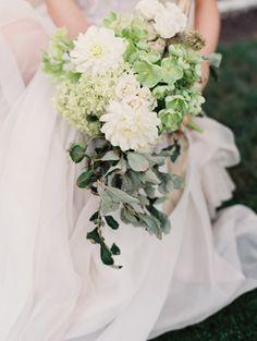 green-and-white-elegant-wedding-bouquet