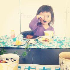 *  good morning(๑′ᴗ‵๑)☀  yumyum  *  ちびっこは柿が気に入ったみたいだよー(๑′ᴗ‵๑)  美味しいよね    今日はピカピカお天気!  そろそろお散歩に出掛けてくるよー(๑′ᴗ‵๑)  みんなも素敵な一日にしてね!    #親バカ部 #children #kids #ぱっつん #もぐもぐシリーズ  2012.10.09 - @kinax- #webstagram