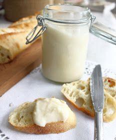 Il faut se retenir pour pas engloutir tout le pot à la cuillère! C'est tellement bon!! Ce beurre de pomme fera un hit à tous vos brun...