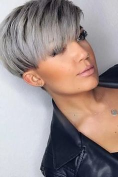 Short Pixie Cut Wig myslady The Effective Pictures We Offer You About short grey hair un Short Grey Hair, Short Hair Cuts For Women, Short Hairstyles For Women, Grey Pixie Hair, Pixie Hair Color, Chic Short Hair, Funky Short Hair, Edgy Hair, Pixie Cut Wig