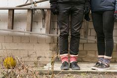 Alexander & Alexandra by www.noski-tabani.ru  Эти носки особенно подходят для игры «Старинной французской песенки» в четыре ноги на расстроенном рояле в полнолуние. И в новолуние. И на дачу в них хорошо, на картошку. И на капусту. И на Берлин.