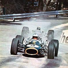 Denis Hulme (Brabham-Repco) vs Jacky Stewart (BRM) 1967 F1 Monaco GP. pinterest.com/fra411 #vintage #formula1