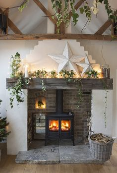 Charming Living Rooms Design Ideas With Firep&; Charming Living Rooms Design Ideas With Firep&; Sonjasallerlei Sonjasallerlei Wohnung Charming Living Rooms Design Ideas With Fireplace to […] living room with fireplace Cottage Fireplace, Home Fireplace, Living Room With Fireplace, Fireplace Design, Fireplace Ideas, Cottage Living Rooms, Cottage Interiors, Home Living Room, Living Room Designs