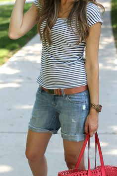 Lilly Style: denim shorts   converse