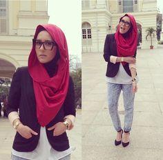 Hijabista Dina Tokio