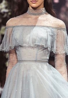 Once Upon a Dream Paolo Sebastian 2018 S/S Couture - About Wedding Style Haute Couture, Couture Fashion, Runway Fashion, High Fashion, Couture Details, Blue Fashion, Daily Fashion, Street Fashion, Winter Fashion
