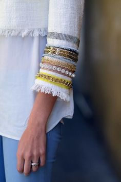 Great sleeve detail for all those pieces of trim and sequin in my stash. Fashion details of clothes. Fashion Details, Diy Fashion, Fashion Trends, Trending Fashion, Mode Hippie, Diy Mode, Sleeve Designs, Mode Inspiration, Refashion