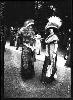 France. Street style. Auteil racecourse, Paris, 1911