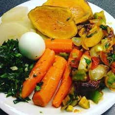 Iscas de figado de vitela e vegetais nabo cenoura batatadoce couve ovo cebola pimento aipo salsa alhofrances #comidasaudavel #receitaminha #delicious #healthy #healthyfood #healthylife #blessed #blessedlife #dinner #dinnertime #dinnerfood #foodporn #foodstagram #foodpic #yummy #gym #gymlife #seafood #dessert #cleaneating #instafood #instagood #nutricion #protein #exercice #omega #vegetables #fitness #fitmon #lifestyle  Yummery - best recipes. Follow Us! #foodporn