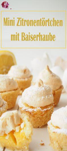Diese kleinen, süssen Zitronen Törtchen sind mit einem Bissen weg. Herrlich erfrischend und zitronig leicht sind sie die ideale Süssspeise nach einem Menü oder der tolle Begleiter beim Kaffee. Mini Desserts, No Bake Desserts, Baking Recipes, Cake Recipes, Vegan Recipes, Cake & Co, Mini Muffins, Mini Cakes, Cakes And More