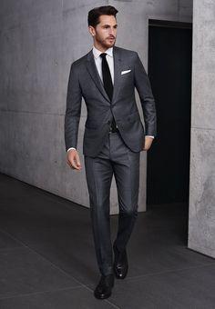 ryan reynolds black suit white shirt black tie suit up pinterest ryan reynolds and black. Black Bedroom Furniture Sets. Home Design Ideas
