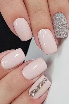 Wedding Designs Stunning Wedding Nail Designs To Inspire You picture 6 - Looking for some wedding nails inspiration? Our collection of exquisite ideas will help you complete your bridal look. Save these ideas for later. Wedding Nails For Bride, Bride Nails, Wedding Nails Design, Prom Nails, Fun Nails, Nail Wedding, Wedding Manicure, Trendy Wedding, Rustic Wedding