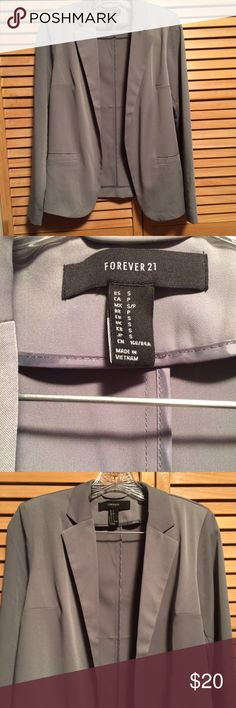 Gray blazer NWOT gray blazer from Forever 21. No tags, but never been worn! Forever 21 Jackets & Coats Blazers