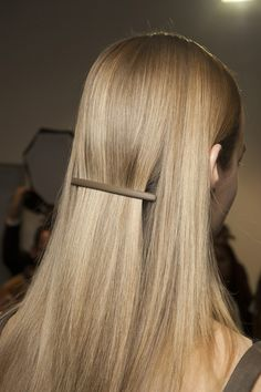 Rochas - The rich-girl beauty trend didn't stop at the make-up - luxurious, expensive-looking blow-outs were on show at Thakoon, Donna Karan and Balmain, whilst the sleek, uptown styles at Rochas were accessorised with elegant matt barrettes. Sleek Hairstyles, 2015 Hairstyles, Natural Haircare, Beauty Shots, Rich Girl, Models, Hair Care Tips, Beauty Trends, Makeup Trends