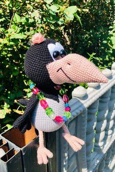 СХЕМА вязания вороны Алёны амигуруми #амигуруми #схемыамигуруми #вязанаяигрушка #игрушкикрючком #вязанаяворона #воронакрючком #amigurumipattern #crochetpattern #amigurumicrow #crochetcrow Afghan Crochet Patterns, Knitting Patterns, Crochet Gifts, Free Crochet, Amigurumi Doll Pattern, Pattern Pictures, Craft Patterns, Stuffed Toys Patterns, Beautiful Crochet